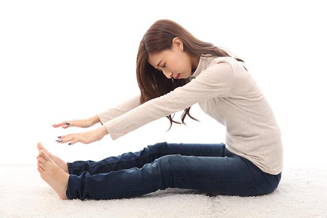 ストレッチ 腰痛 20代 女性 洲本市