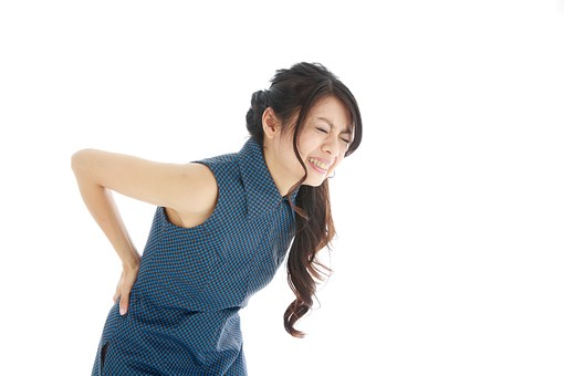腰痛の女性の画像 洲本接骨院腰痛用 資料